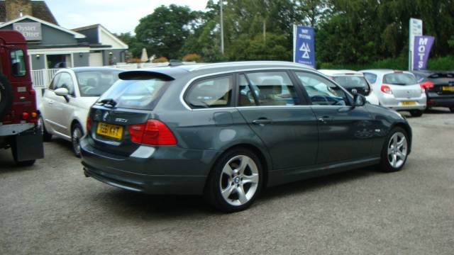 BMW 3 Series 2.0 320d [184] Exclusive Edition 5dr Estate Diesel Green